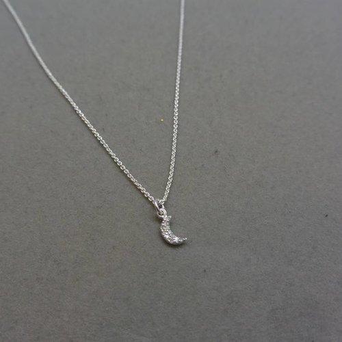 La Soula Moon Necklace
