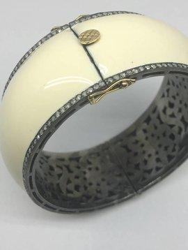 United Gemco White Enamel Bracelet