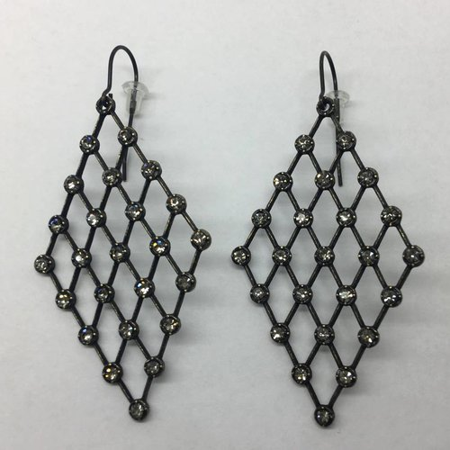 Rebel Design Diamond Chain Earrings