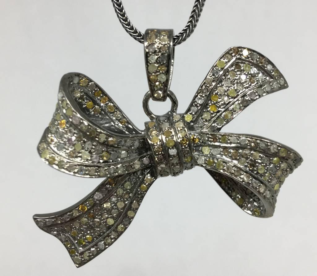 Lotasi Jewels Diamond Bow Pendant
