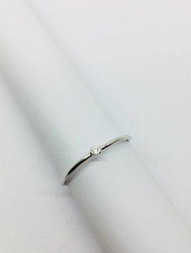 Cloverpost Single Bezel White Gold Ring