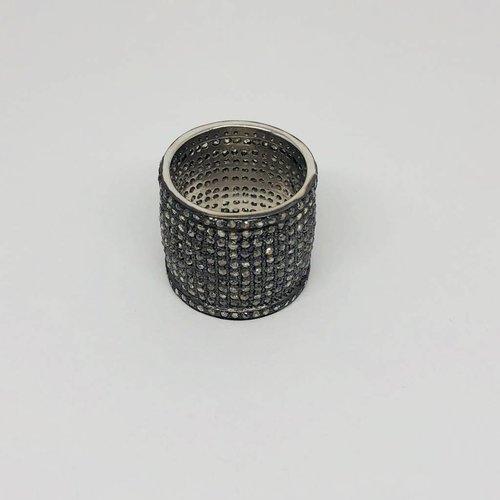 Lotasi Pave Cigar Ring