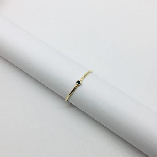 Jennifer Meyer Jennifer Meyer Thin Sapphire Stacking Ring