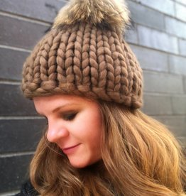 Woolly&Co. Birmingham Beanie with Pom - brown