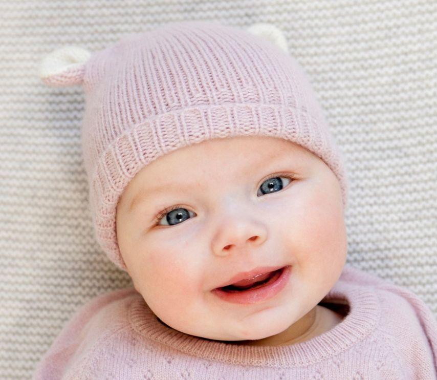 Oliver baby Cashmere Bear Hat Rose