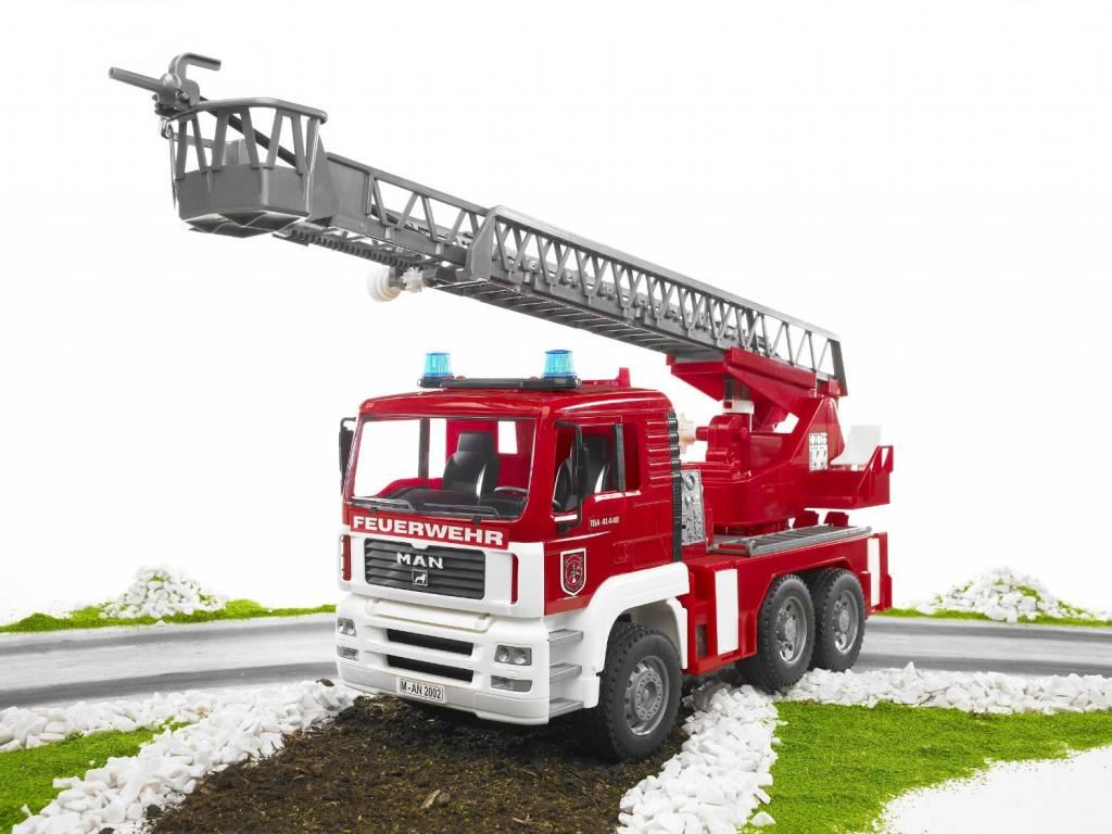 Bruder Bruder 02771 - 1:16 MAN Camion de pompiers avec échelle