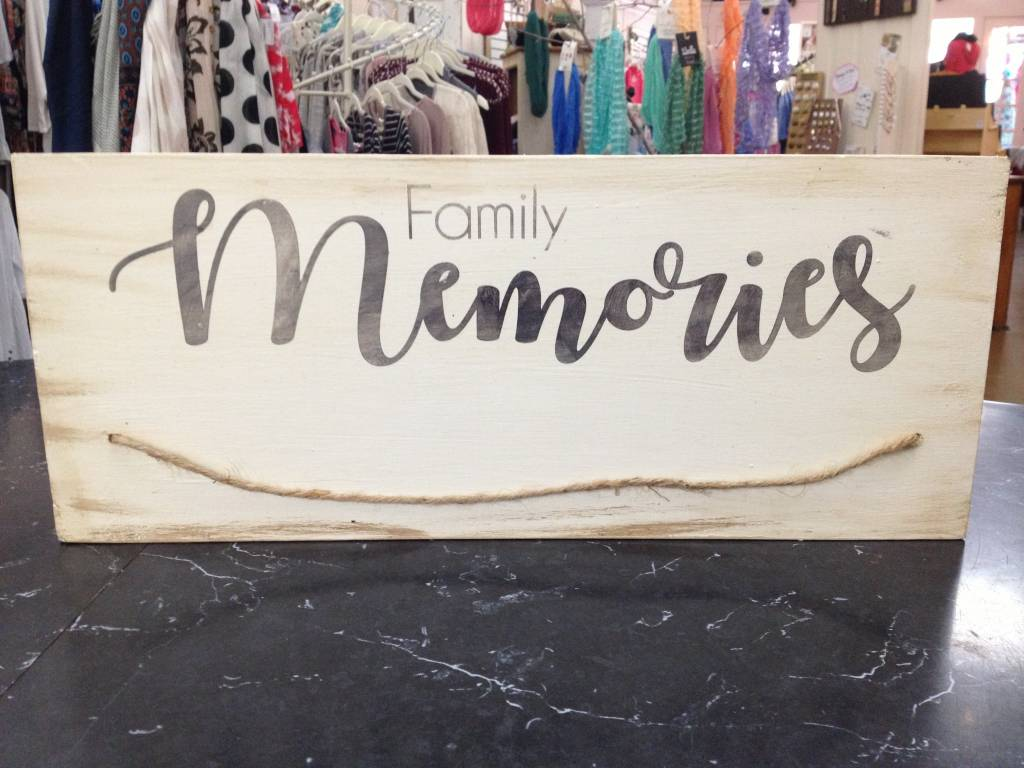 Family Memories Black/Cream Sign 7x18
