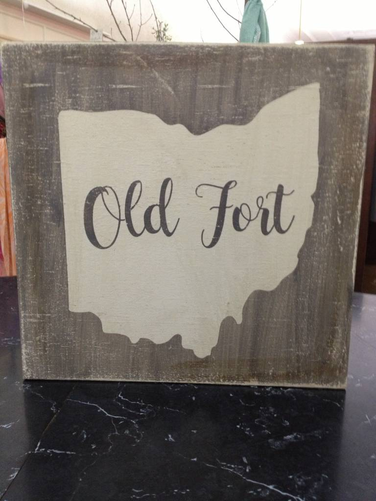 Old Fort 11.5x11.5 Grey/Cream SIgn