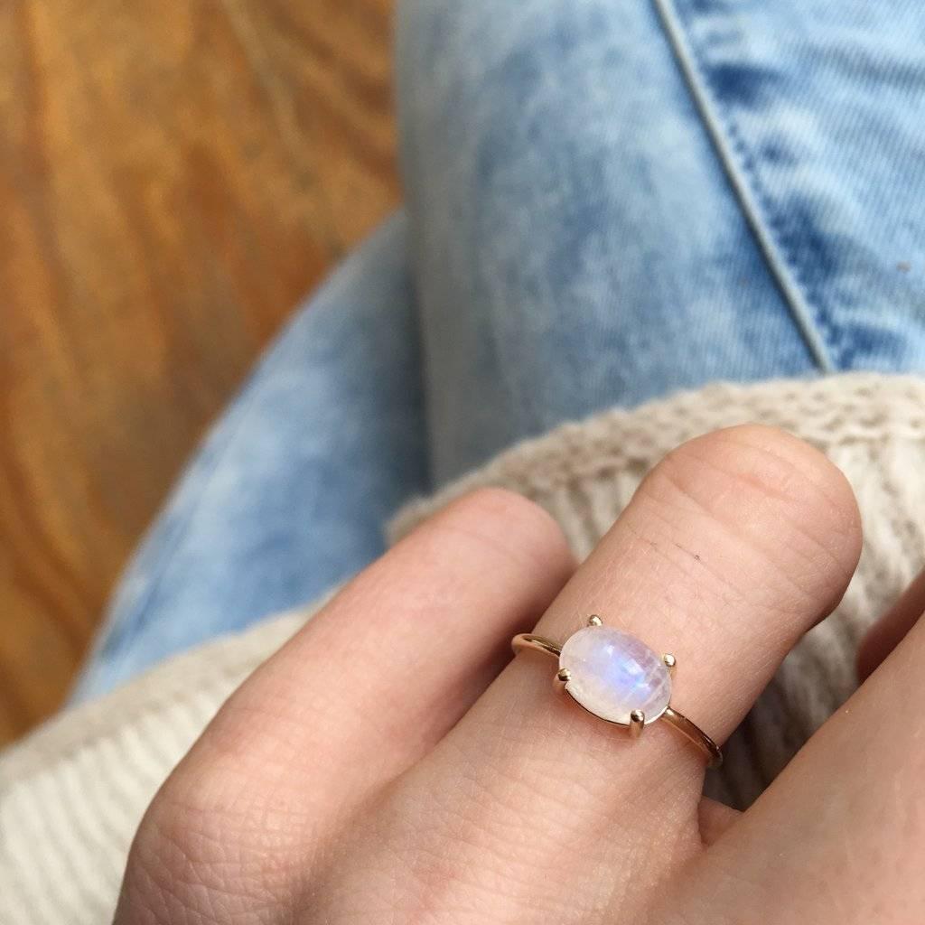 La Kaiser 14KT Gold Moonstone Venezzia Ring, Size 7