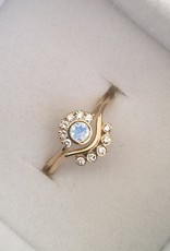 14KT Gold Rainbow Moonstone Aztec Ring, Size 7