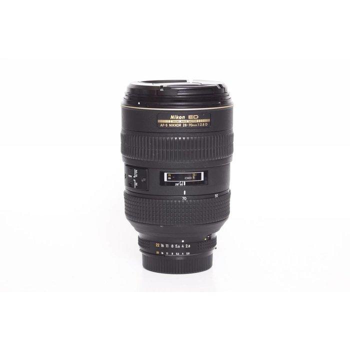 Nikon AF-S 28-70mm f/2.8 D ED