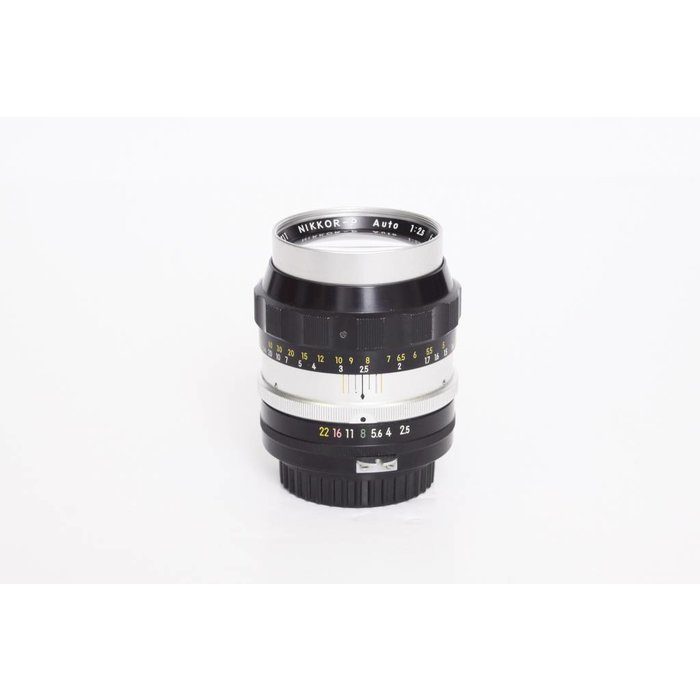 Nippon Kogaku Nikkor-P 10.5cm f/2.5