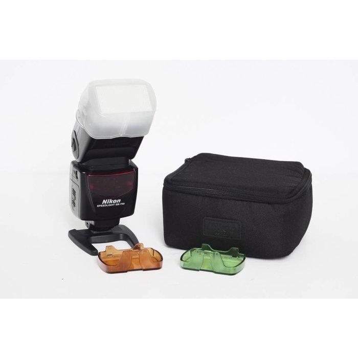 Nikon Speedlight SB-700 w/ accessories