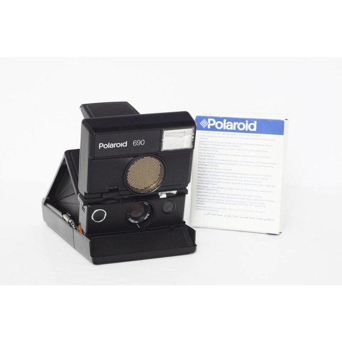 Polaroid 690 w/ Flash