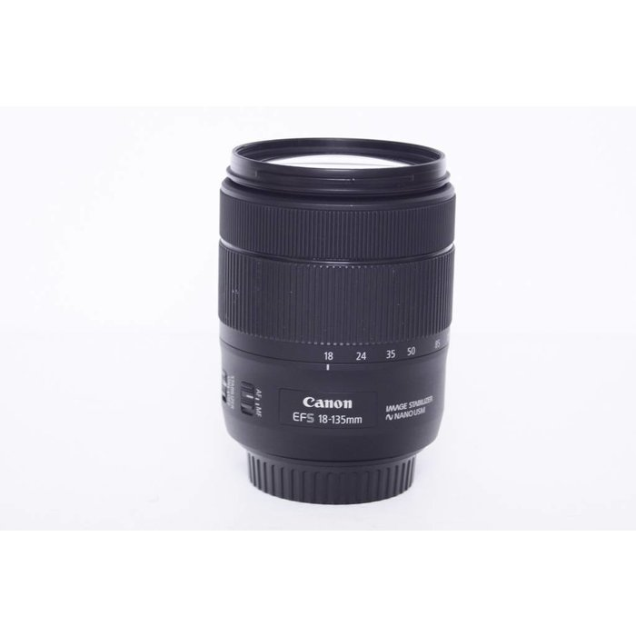 Canon EFS 18-135mm f/3.5-5.6 IS USM Nano