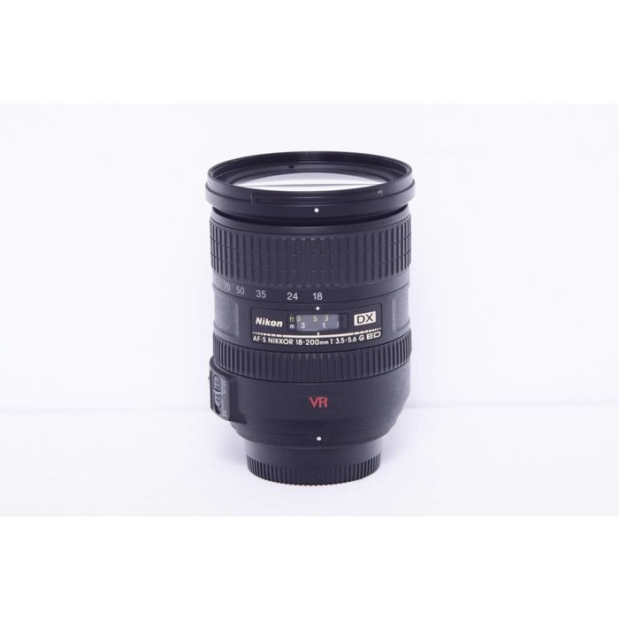 Nikon AF-S 18-200mm f/3.5-5.6 VR
