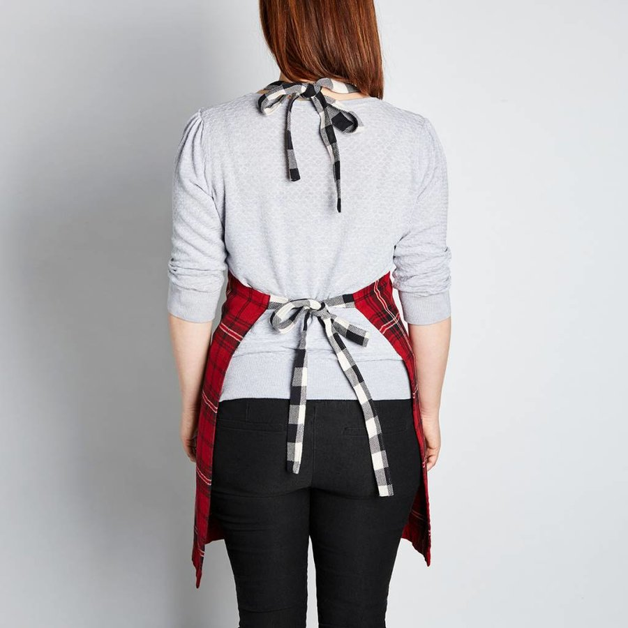 Red Checkered Apron - Photo 1
