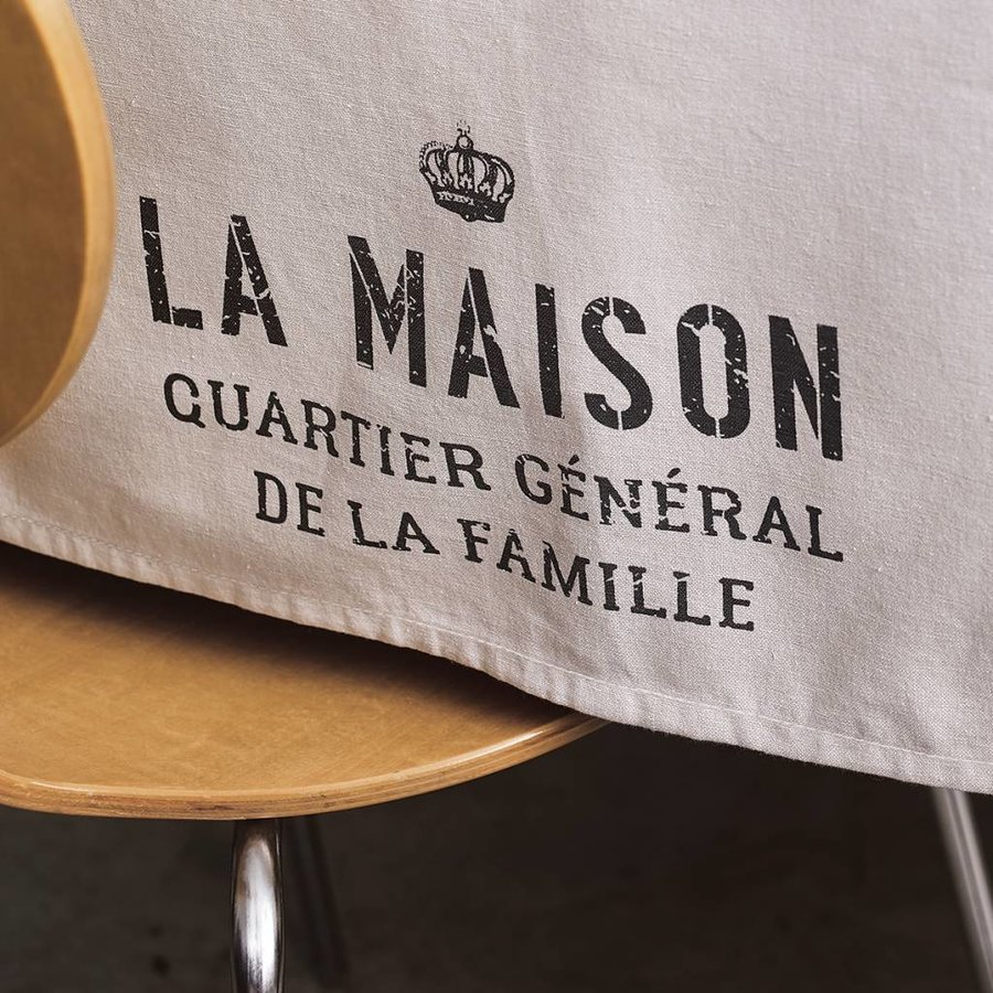 """La maison, quartier général"" Tablecloth - Photo 1"