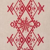 Chemin de table forêt nordique avec broderies rouges