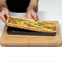 Fluted Tart Pan with Removable Bottom 35.5 x 10 cm (14 x 4 in)