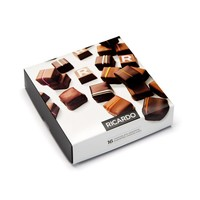 Assorted box of 16 chocolates