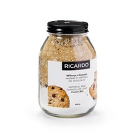 Jar of oatmeal chocolate chip cookie mix, 680 g