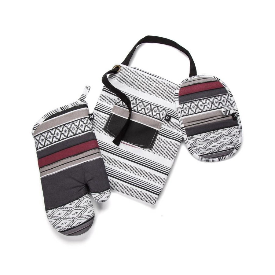 Santa Fe Apron, Oven Mitt and Pot Holder Set - Photo 2