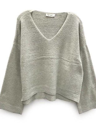 RD INTERNATIONAL RD Int'l Sweater Boxy V Neck L/Slv