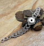 bracelet   silver   interlocked ornate hearts   1 snap button