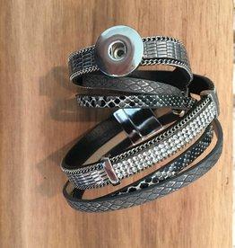 bracelet | black | six strap magnetic close | 1 Snap Button