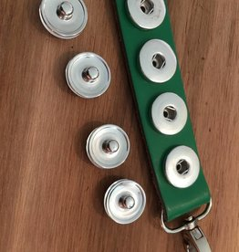 keychain | green | leather | 4 snap buttons