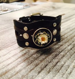 Bracelet | Black | Leather with silver studs | 1 snap button
