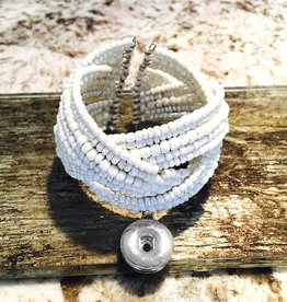 Bracelet | White | Beaded | 1 Snap