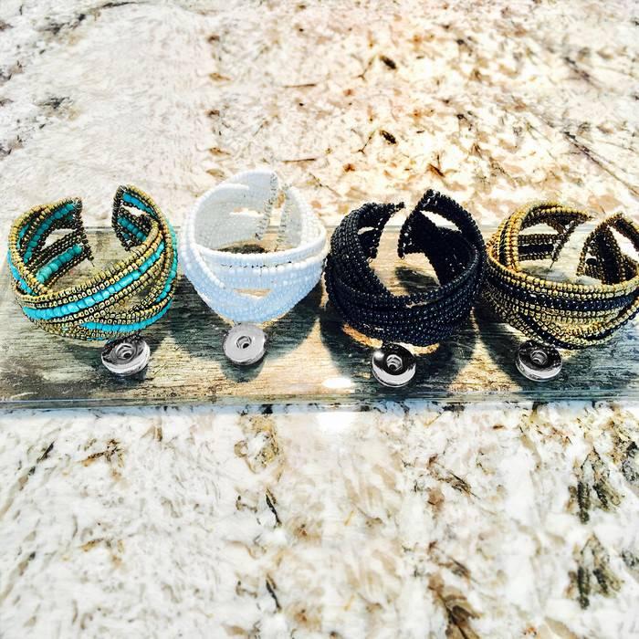 Bracelet | Black | Beaded | 1 Snap