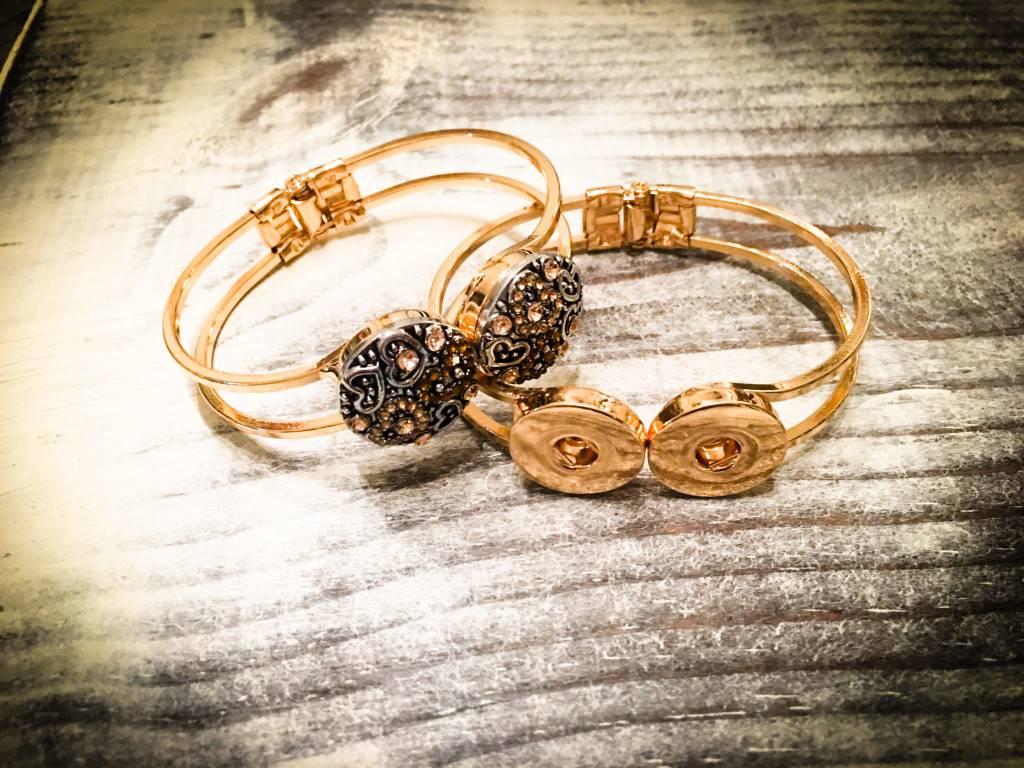 Bracelet   Gold   Wide Open Clasp   2 Snap Buttons