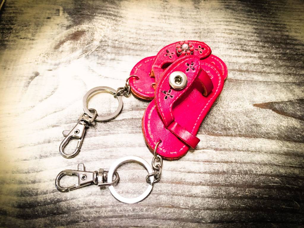Key Chain   Hot Pink   Leather   1 Snap