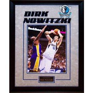 Dallas Mavericks – Dirk Nowitzki Signed 11x14 Photo