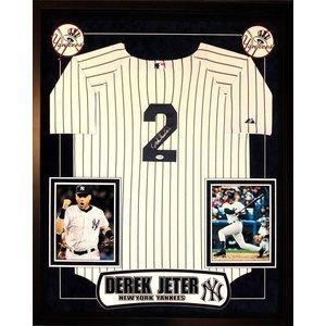 New York Yankees – Derek Jeter Signed Jersey