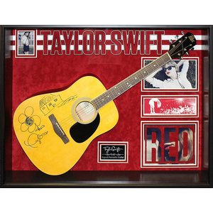 """Taylor Swift """"Signed acoustic guitar"""