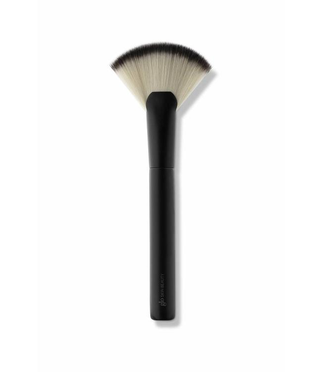Glo Skin Beauty Glo Skin Beauty: Fan/Highlighter Brush