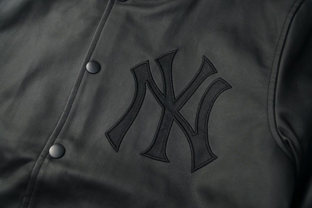 MAJESTIC JAPAN NEW YORK YANKEES TEAM LOGO STADIUM JACKET BLACK LEATHER<br /> MAJESTIC JAPAN NEW YORK YANKEES TEAM LOGO STADIUM JACKET BLACK LEATHER