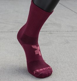 Donkey Label Cross X Magenta Socks