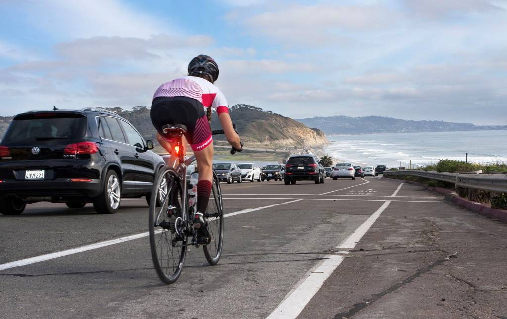 16043864e Top 10 Bicycle Safety Tips