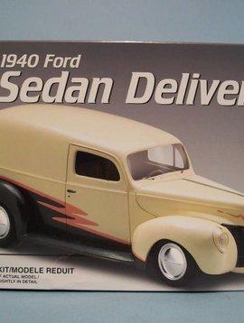 AMT 1/25 Model Kit 1940 Ford Sedan Delivery