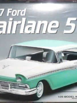 AMT 1/25 Model Kit 1957 Ford Fairlane 500