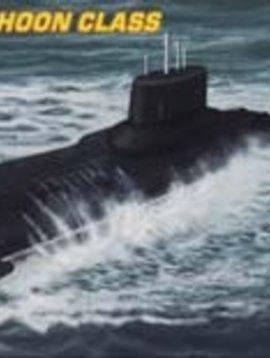 HBO HY87019 1/700 Russian Navy Typhoon Class