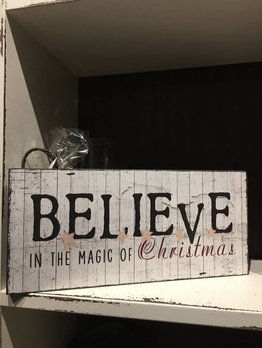 believe in the magic of christmas sign farmhouse christmas decorating country living nanas farmhouse