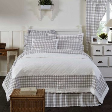 Quilt/Bed Skirt