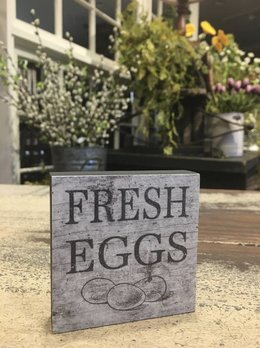 Fresh Eggs Block Sign