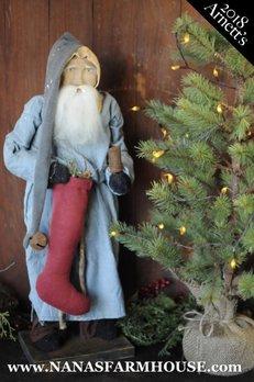 AC11 Arnett's Primitive Santa In Night Shirt